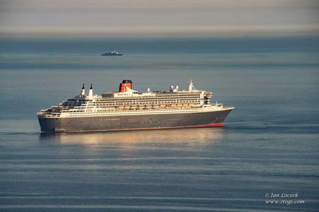 Queen Mary 2 - Weymouth Bay